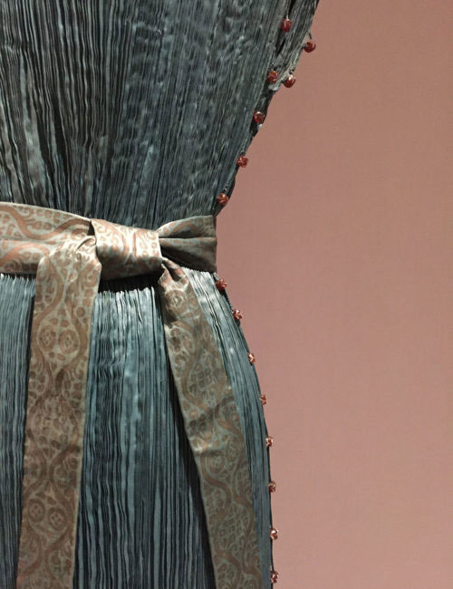 Fortuny-Delphos-Gown-at-MET-ManusxMachina-2016