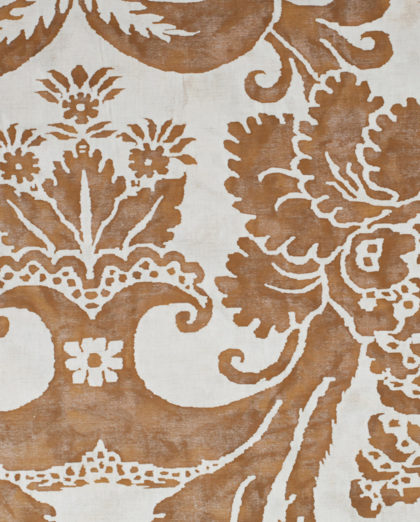 5667 GLICINE in caramel & white Fortuny Printed Cottons